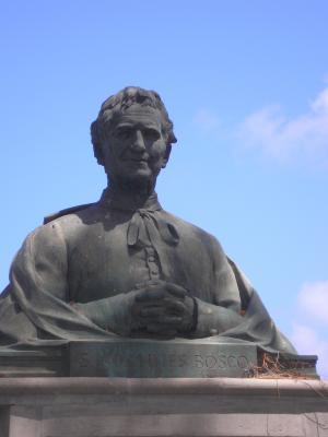 MONUMENTO A SAN JUAN BOSCO.1999