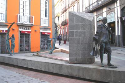 MONUMENTO AL  DOCTOR  JUAN NEGRIN LOPEZ