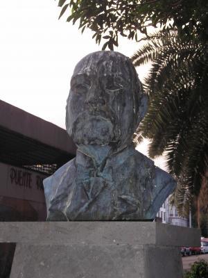 MONUMENTO A DON  ANTONIO LÓPEZ BOTAS