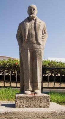 MONUMENTO DE CAMILLO SAINT SAËNS.