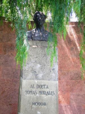 MONUMENTO A TOMÁS MORALES
