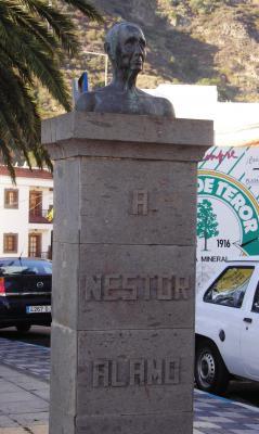 MONUMENTO A NESTOR ALAMO