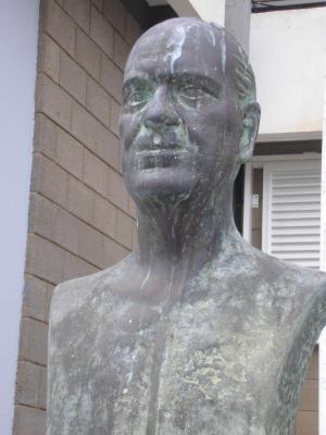 MONUMENTO DE AGUSTIN MILLARES CARLÓ