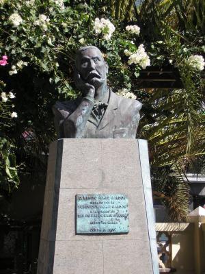 MONUMENTO A BENITO PÉREZ GALDÓS