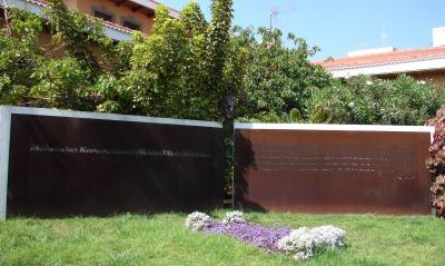 MONUMENTO A MAHATMA GHANDI