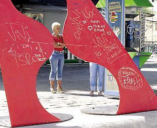 Los ataques contra las esculturas se multiplican en las calles de Telde