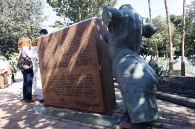 Módulo escultórico dedicado a los deportistas olímpicos de Las Palmas