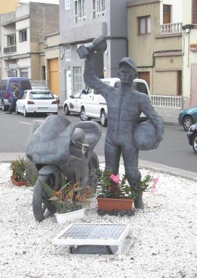 MONUMENTO A NICO SANTANA VALIDO