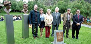 El Cabildo inaugura las esculturas que homenajean a los Kunkel, firmes defensores de la flora y de los espacios naturales de Canarias
