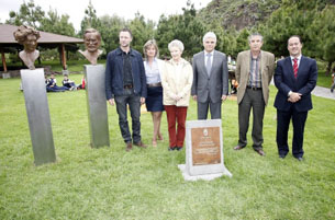 El Jardín Botánico 'Viera y Clavijo' ya luce los bustos de Günther y Mary Anne Kunkel