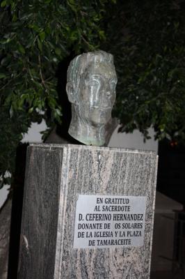 MONUMENTO AL SACERDOTE  D.CEFERINO HERNANDEZ