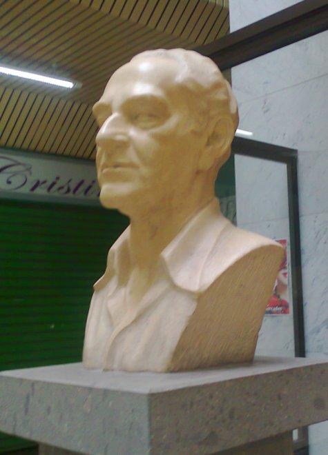 ESCULTURA  D. MIGUEL SÁNCHEZ MEDINA
