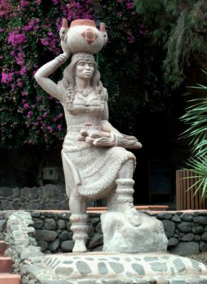 ESCULTURA PAREJA ABORIGEN